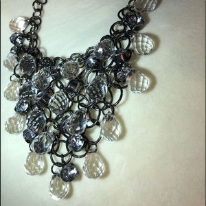NWT Beautiful Crystal beaded Necklace
